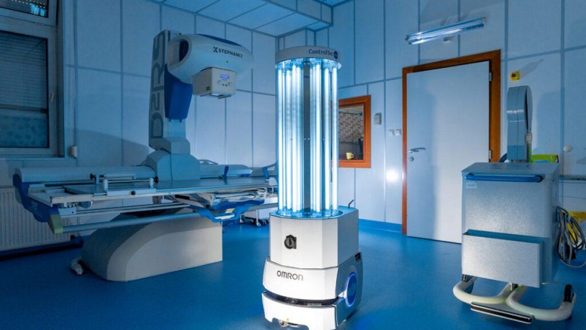 Spoločnosť ControlTec a jej mobilný UVC robot pomáhajú poľským  nemocniciam v boji s pandémiou